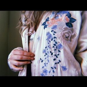 🌺BLANK NYC Silk Flower Bomber Jacket🌺